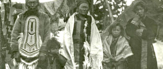 Шаман Федор Полигус женой и детьми (из собрания Российского этнографического музея, Россия)